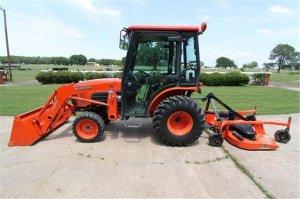 2006 kubota b3030 4x4 cab tractor - Trinidad, TX - free
